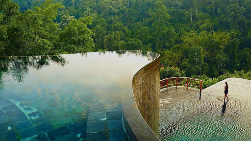 Check Out This List Of 10 Most Stunning Pools In The Entire World!