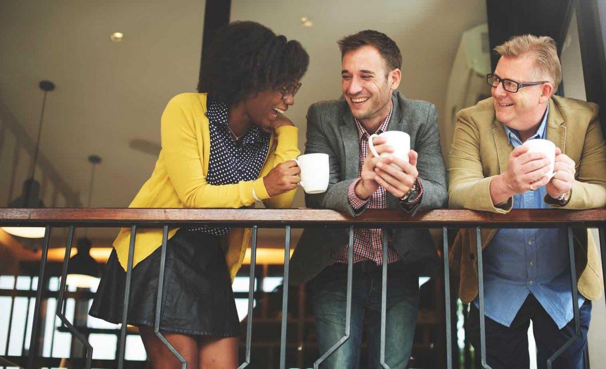 8 способов: как понравиться любому человеку