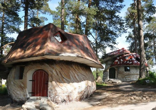 Crazy Hotels You Can Choose To Stay In Around The World