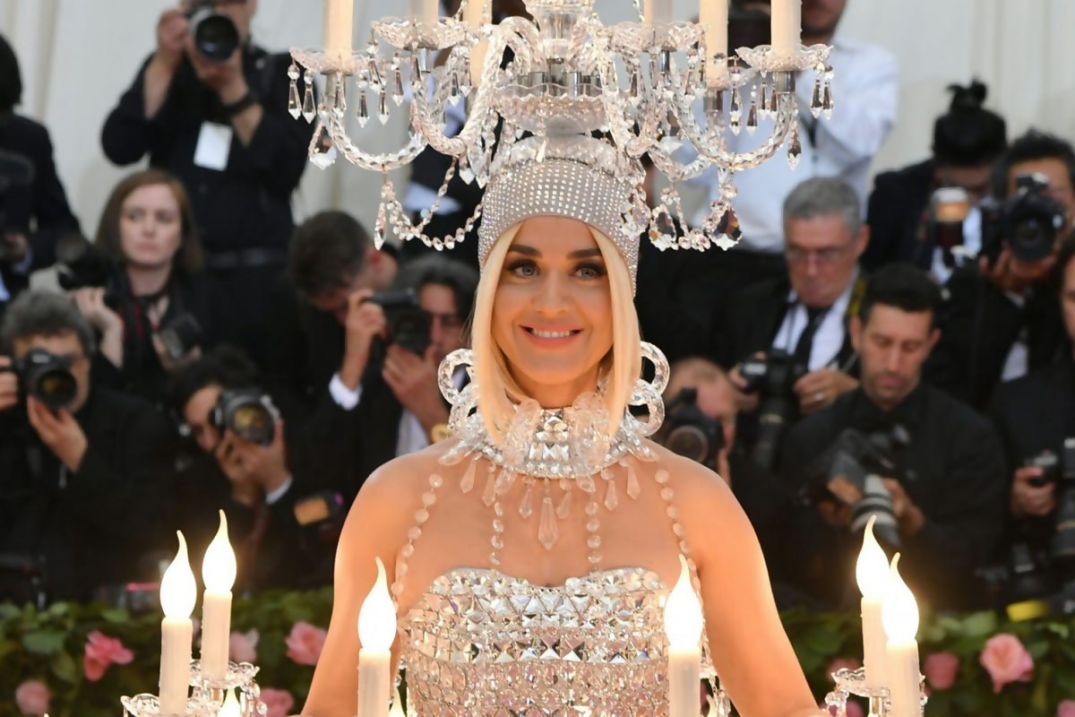 A Compilation Of 12 Awkward Met Gala 2019 Moments That Are Downright Hilarious