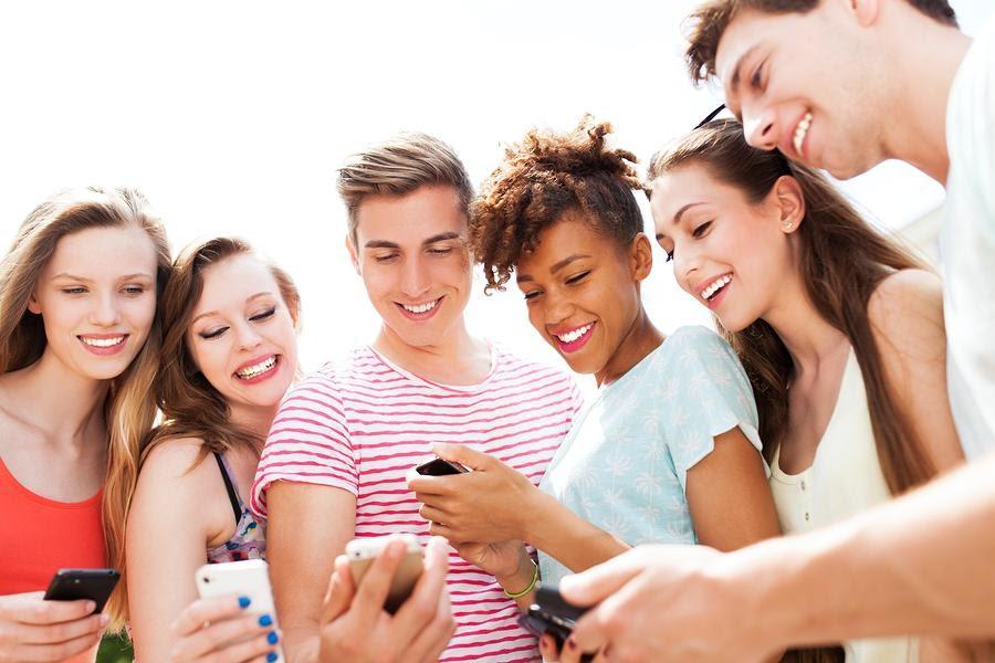 25 Ways Social Media Is Ruining Your Life