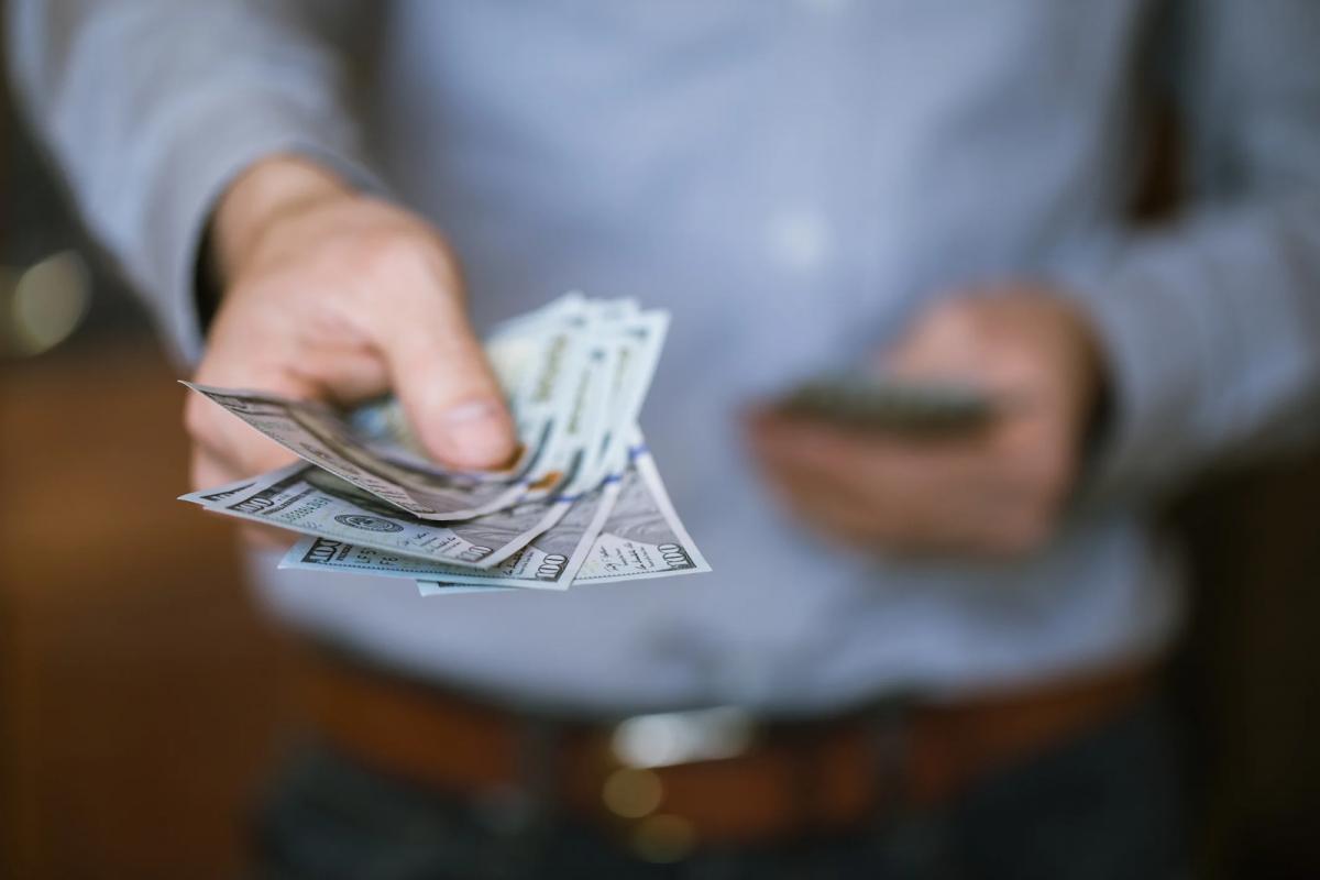 ثلاث عشرة طريقة ذكية لمساعدتك على زيادة دخلك