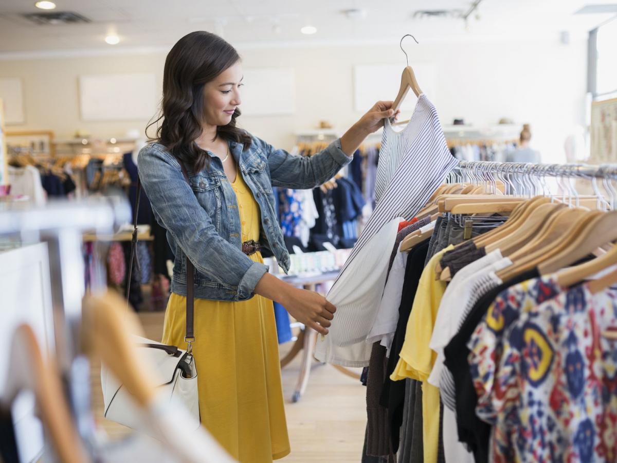 25 Woman Wardrobe Essentials