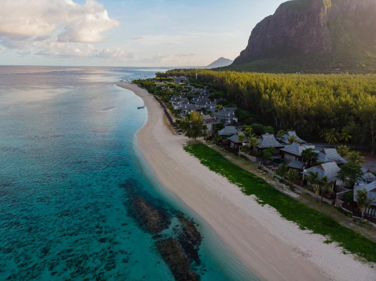 7 Stunning Islands That Will Pay You To Move!