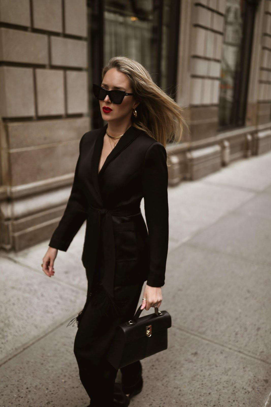 These 20 Items Are Must-Haves In Your Wardrobe If You Are Over 30